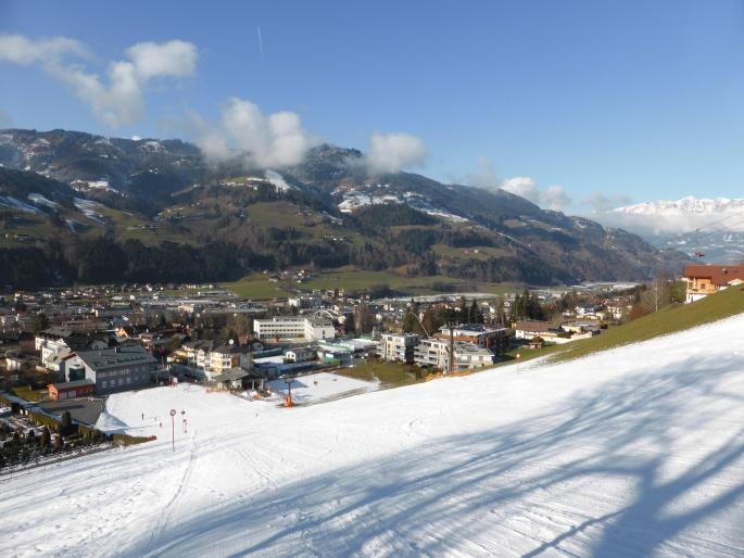 Foto: Manfred Karl / Skitour / Skiroute Hahnbaum von Sankt Johann / Der Start erfolgt direkt in St. Johann / 24.01.2015 18:34:57