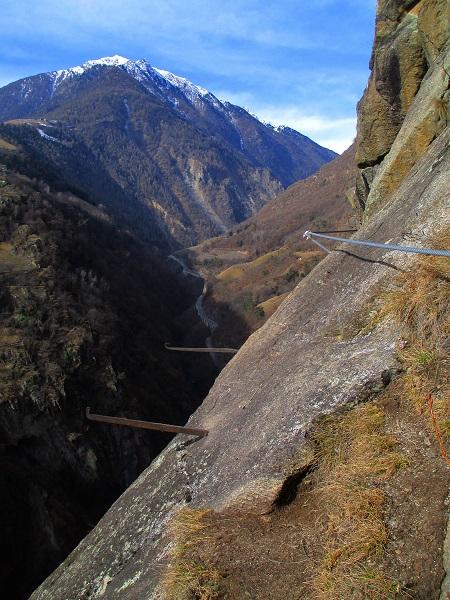 Foto: Andreas Koller / Klettersteigtour / Klettersteig Hoachwool Naturnser Sonnenberg (1200m) / 12.04.2015 18:03:05