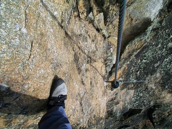 Foto: Andreas Koller / Klettersteigtour / Klettersteig Hoachwool Naturnser Sonnenberg (1200m) / Schlüsselstelle D / 12.04.2015 18:01:43