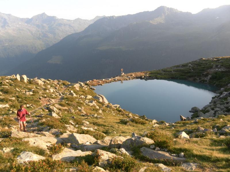Foto: Wolfgang Lauschensky / Wander Tour / Magerstein 3273m aus dem Bachertal / Bergsee oberhalb der Hütte / 25.07.2015 23:07:30
