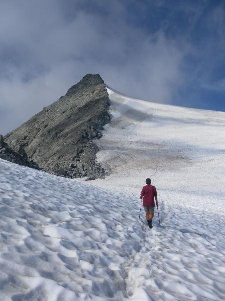 Foto: Wolfgang Lauschensky / Wander Tour / Magerstein 3273m aus dem Bachertal / letzter Grataufschwung vor dem Gipfelfels / 25.07.2015 23:05:48