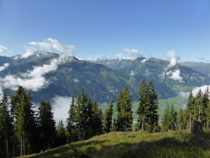 Foto: Manfred Karl / Wandertour / Pihappenkogel – einsamer Pinzgauer Grasberg / Blick über das Salzachtal / 22.09.2015 21:48:01