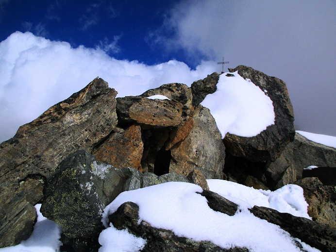 Foto: Andreas Koller / Klettersteigtour / Klettersteig Almagellerhorn (3327m) / Abstieg vom Almagellerhorn / 17.11.2015 01:44:00
