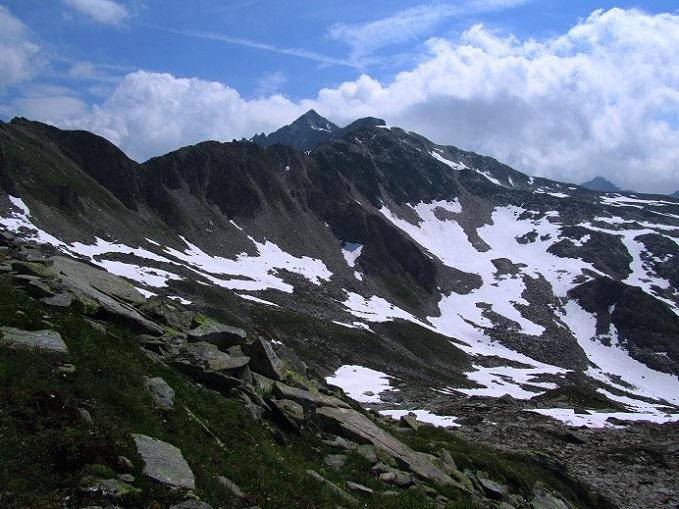Foto: Andreas Koller / Wandertour / Gross Muttenhorn über Grate und Gletscher (3099m)  / Der Grat ist noch lange zum Muttenhorn / 11.12.2015 23:47:38