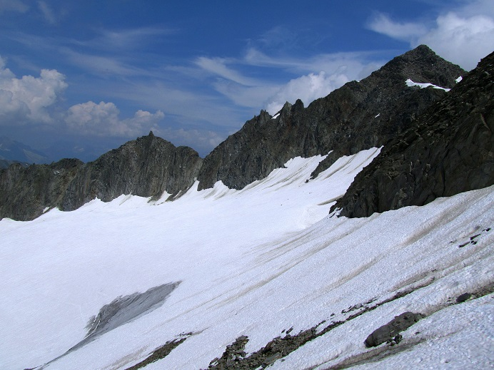 Foto: Andreas Koller / Wandertour / Gross Muttenhorn über Grate und Gletscher (3099m)  / Gross Muttenhorn und darunter der Muttgletscher / 11.12.2015 23:39:42