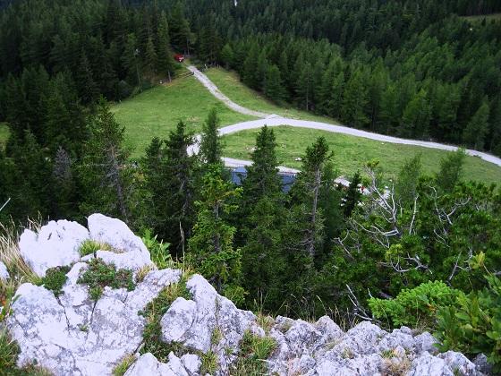 Foto: Andreas Koller / Klettersteig Tour / Bismarcksteig und Predigtstuhl (1902m) / Aussicht von der Felszinne oberhalb des Waxriegelhauses / 29.04.2016 19:11:12