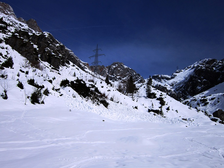 Foto: Andreas Koller / Skitour / Steile Hänge am Marterlkopf (2445m) / 13.05.2016 01:09:10