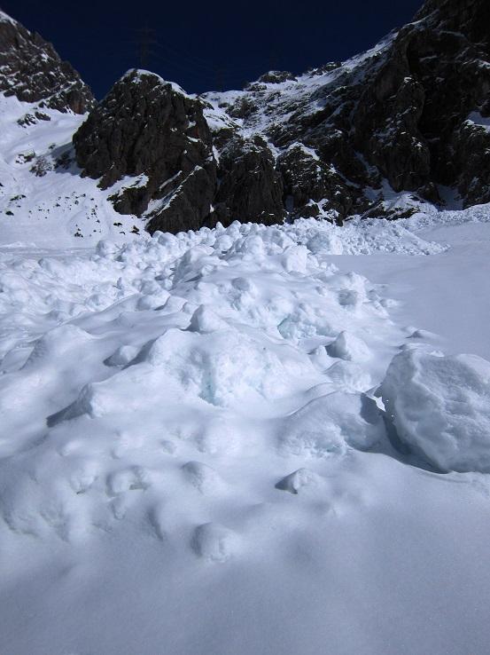 Foto: Andreas Koller / Skitour / Steile Hänge am Marterlkopf (2445m) / 13.05.2016 01:07:16