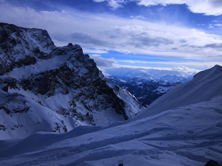 Foto: Andreas Koller / Skitour / Steile Hänge am Marterlkopf (2445m) / Die letzten Meter zum Gipfelkreuz / 13.05.2016 01:02:50