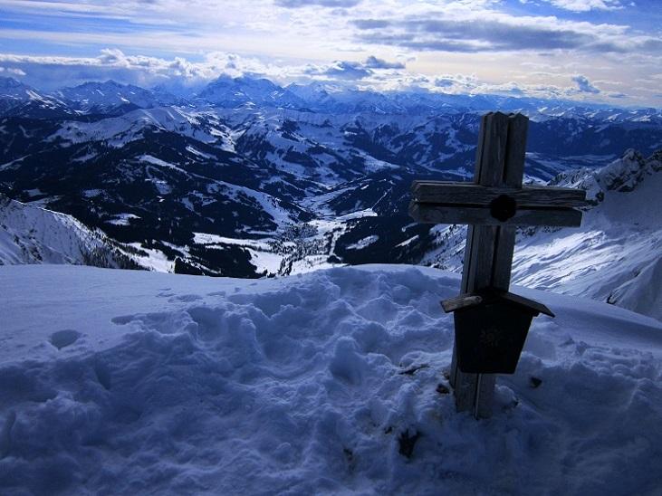 Foto: Andreas Koller / Skitour / Steile Hänge am Marterlkopf (2445m) / 13.05.2016 01:01:44