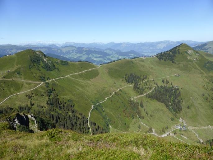 Foto: Manfred Karl / Wandertour / Panoramawanderung Gampenkogel und Fleiding / Links Fleiding, rechts Guggenkögele / 07.08.2016 19:21:18