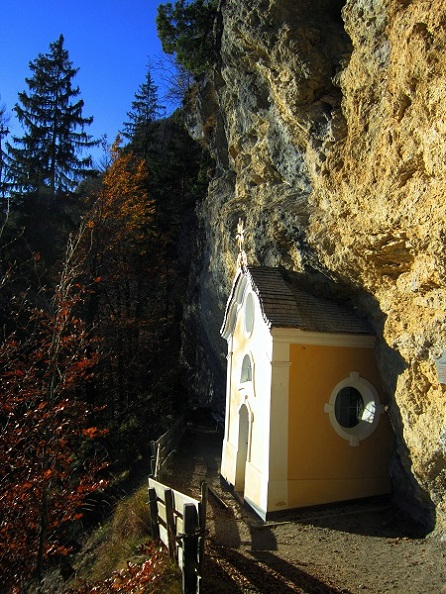 Foto: Andreas Koller / Klettersteig Tour / Maiklsteig und Schatterberg (1274m) / Gmailkapelle / 10.01.2017 02:40:21