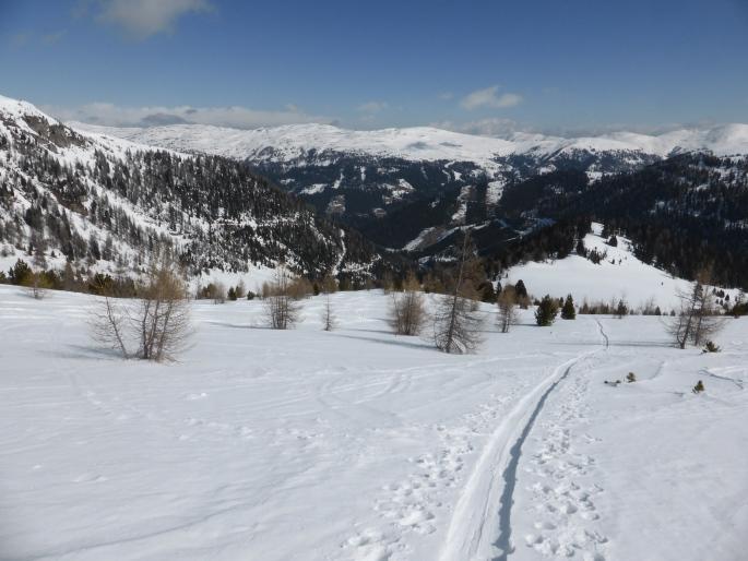Foto: Manfred Karl / Skitour / Peitlernock von Innerkrems / Sanfte Hänge leiten Richtung etwas steilerem Gipfelaufbau / 16.01.2017 20:38:43