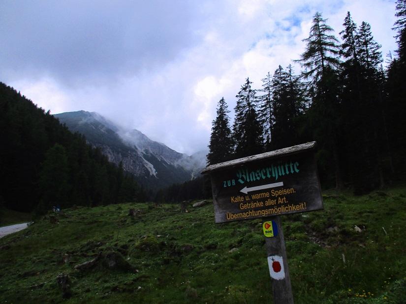 Foto: Andreas Koller / Wandertour / Blumenberg Blaser (2241m) / Anstieg durchs lange Tal zum Blaser / 17.09.2017 21:51:00