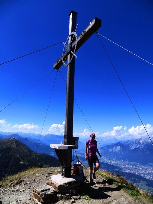 Foto: Andreas Koller / Wander Tour / Zirbenweg und Viggarspitze (2306m) / Am Gipfel der Viggarspitze / 11.10.2017 22:58:29