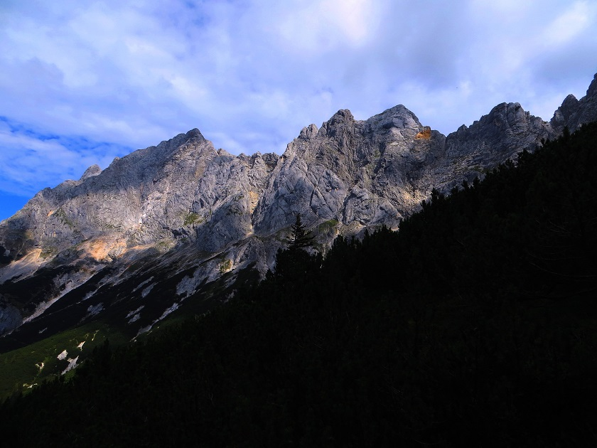 Foto: Andreas Koller / Klettersteigtour / TG Reiter Alpe 1: Klettersteig Mayrbergscharte (2055m) / 12.11.2017 00:27:20