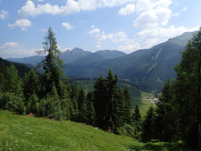 Foto: Manfred Karl / Wandertour / Kleiner Bärenstaffl, 2013 m / Einstieg in die unterste Grasrinne / 02.07.2018 19:15:52