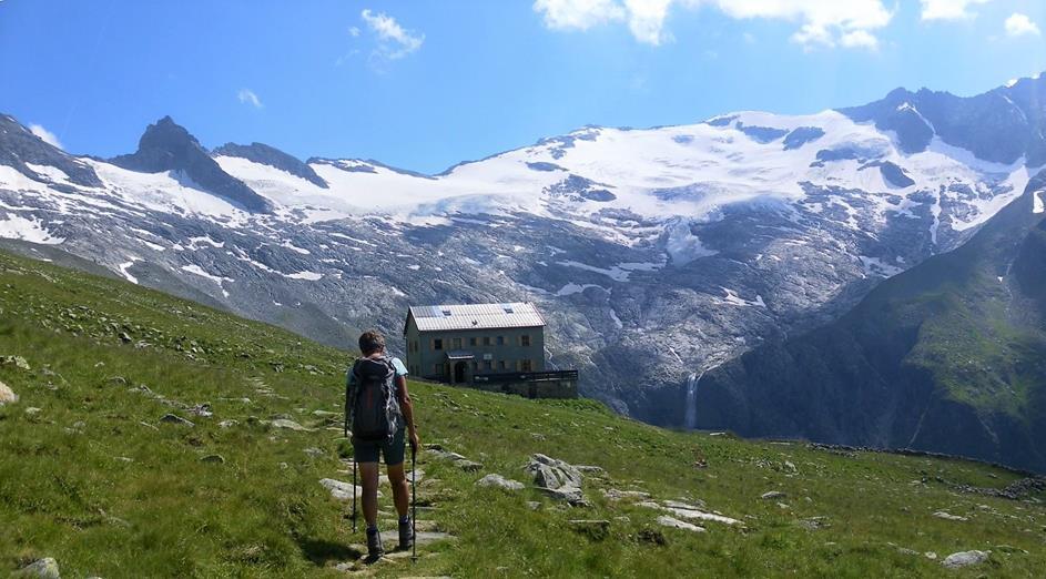 Foto: Wolfgang Lauschensky / Wander Tour / Roßlahnerkopf 2861m von der Thyringer Hütte / Neue Thyringer Hütte vor Habachkees / 04.08.2018 13:55:39