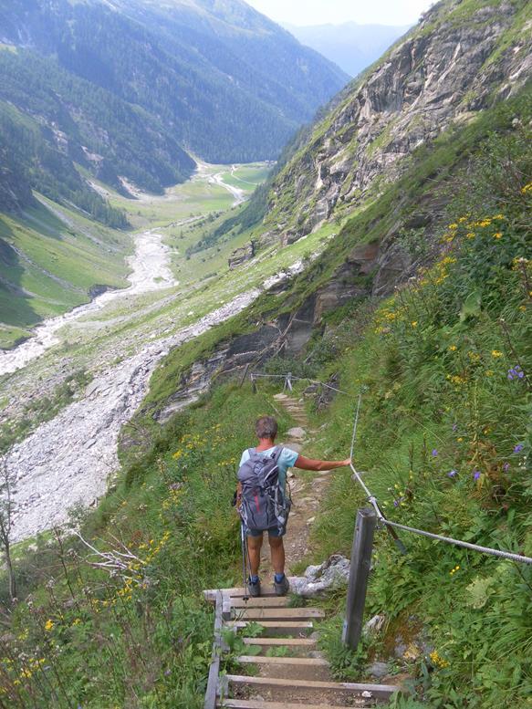 Foto: Wolfgang Lauschensky / Wander Tour / Roßlahnerkopf 2861m von der Thyringer Hütte / Habachtal aus dem Noitroisteig / 04.08.2018 13:54:44