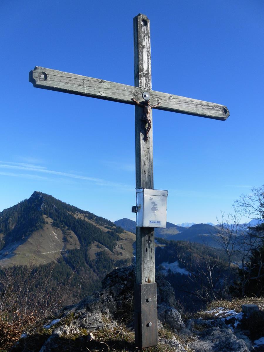 Foto: Wolfgang Lauschensky / Wandertour / Pasterkopf oder Pastaukopf über Kranzhorn / Gipfelkreuz des Pasterkopfs vor Spitzstein / 22.11.2018 18:22:11