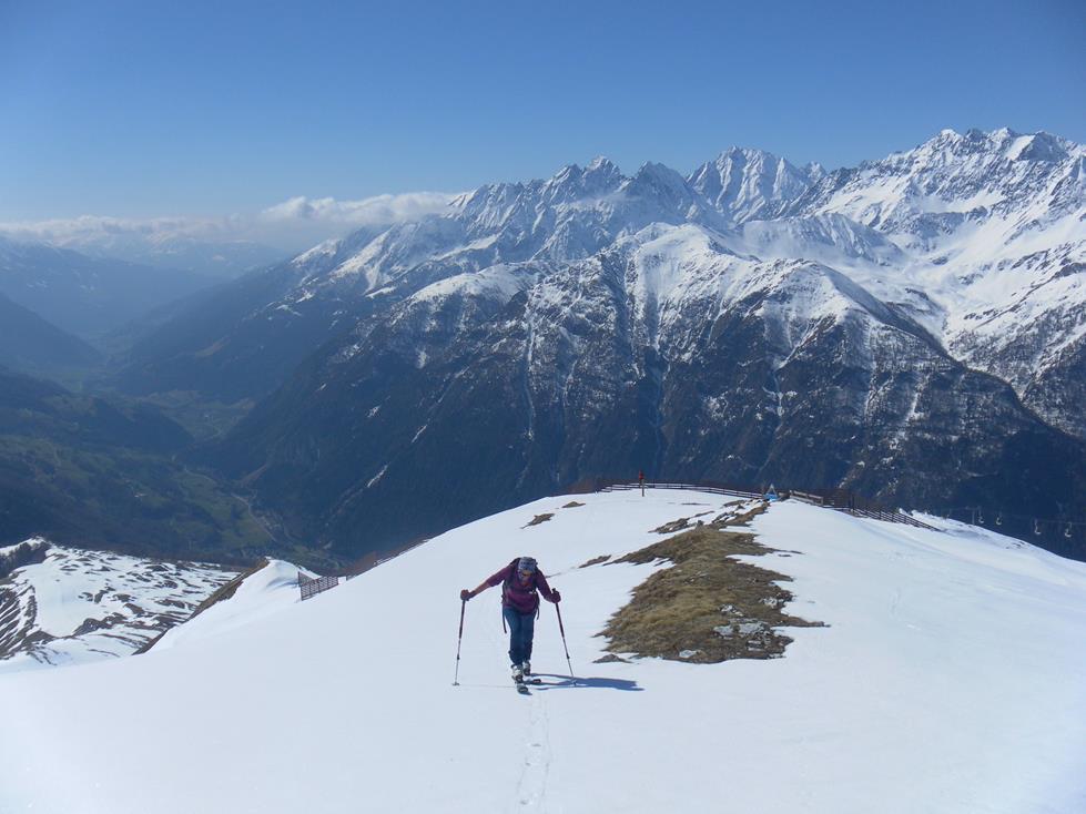 Foto: Wolfgang Lauschensky / Skitour / Roßschartenkopf über Schareck / Gipfelrücken / 26.04.2019 17:33:36