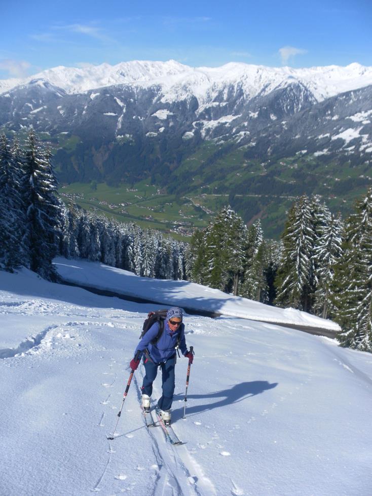 Foto: Wolfgang Lauschensky / Ski Tour / Kreuzjoch über Karspitze / Tuxer Alpen jenseits des Zillertals / 11.05.2019 14:44:34