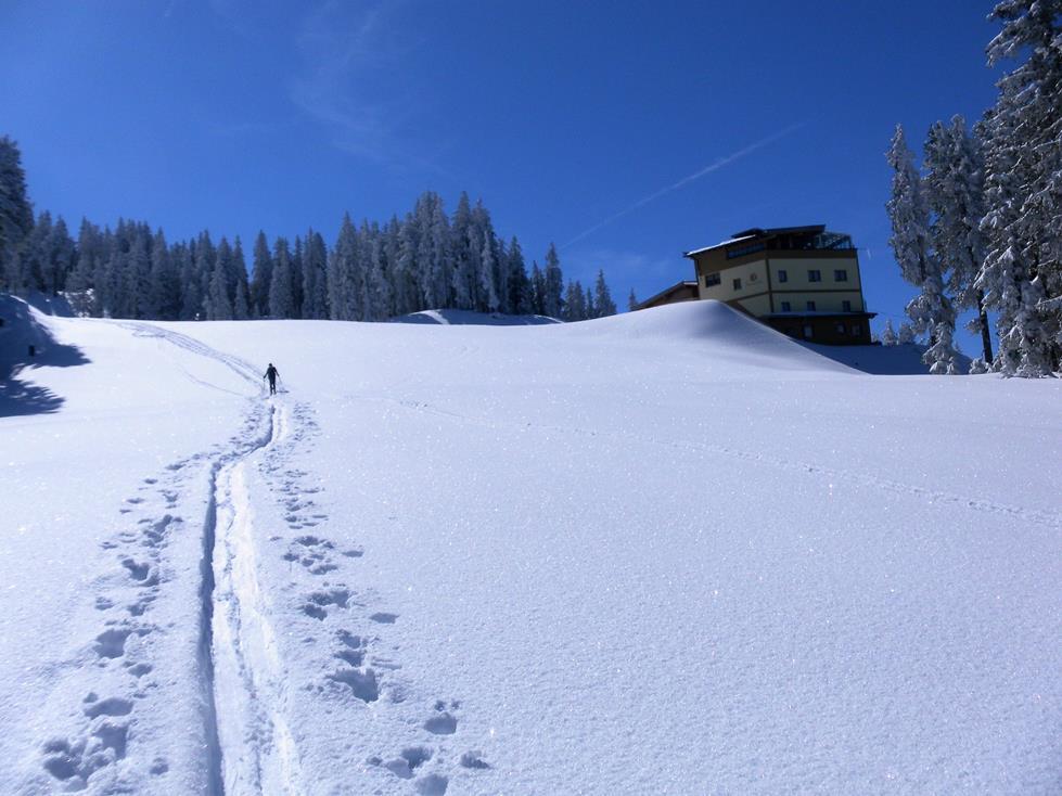 Foto: Wolfgang Lauschensky / Ski Tour / Kreuzjoch über Karspitze / Rosis Schnitzlhütte / 11.05.2019 14:44:20