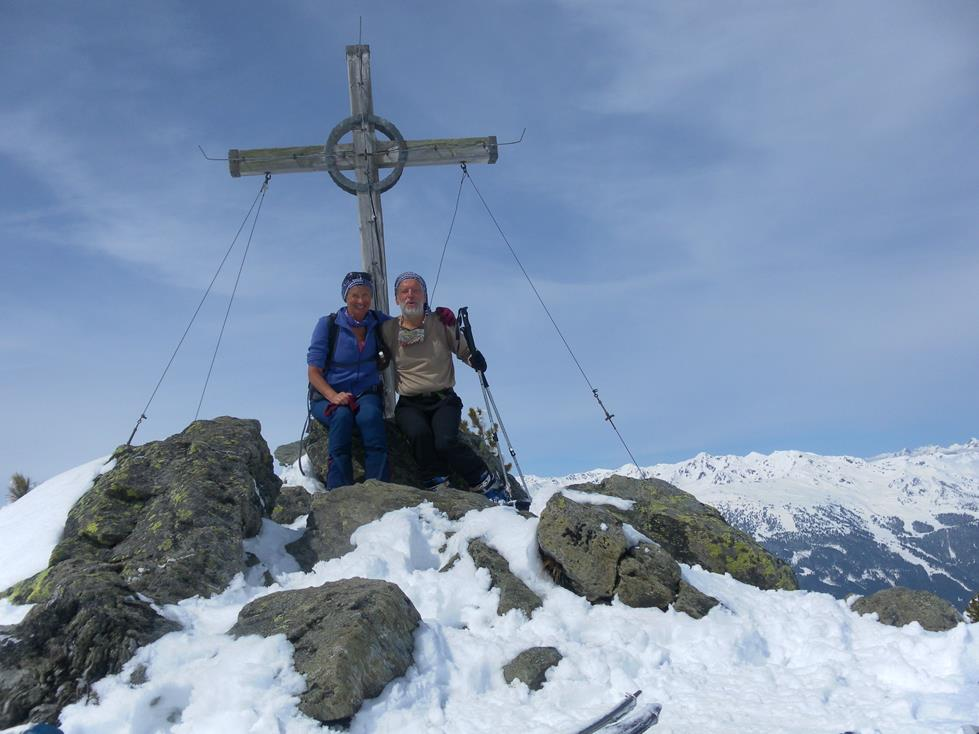 Foto: Wolfgang Lauschensky / Ski Tour / Kreuzjoch über Karspitze / Gipfelkreuz der Karspitze / 11.05.2019 14:43:54