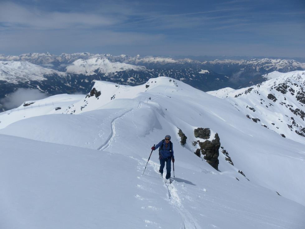 Foto: Wolfgang Lauschensky / Ski Tour / Kreuzjoch über Karspitze / Rückblick / 11.05.2019 14:43:28