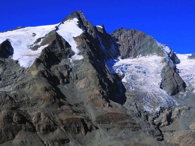 Foto: Andreas Koller / Wandertour / Über leichte Gletscher auf den Breitkopf (3154m) / Großglockner (3798m) und Glocknerwand (3723m) / 30.11.2019 01:20:21