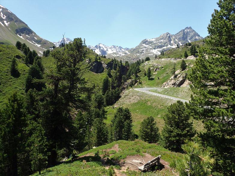 Foto: Manfred Karl / Klettersteigtour / Holderli Seppl Klettersteig / Rastbank oberhalb vom Ausstieg / 06.12.2019 06:24:14