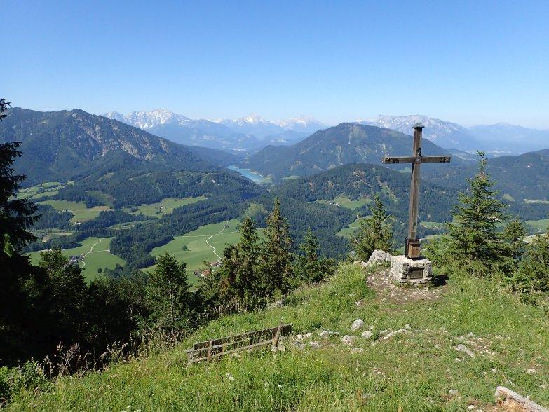 Foto: Manfred Karl / Wandertour / Lidaunberg von Hof / Ausblick vom Lidaun in die Berchtesgadener Berge und zum Wiestalstausee / 03.08.2020 06:35:08