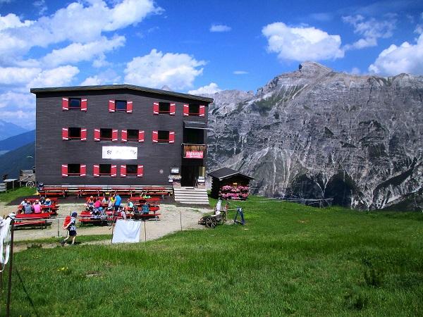 Foto: Andreas Koller / Klettersteigtour / Nordwand-Klettersteig Elferturm (2499m) / Zurück bei der Elferhütte / 09.07.2020 18:32:28
