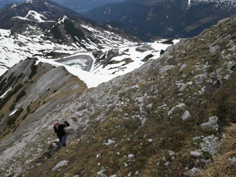 Foto: Rupert Gredler / Skitour / Schwarzkopf über den Nordrücken / Wenn der Rücken aper ist. / 21.02.2021 13:49:15