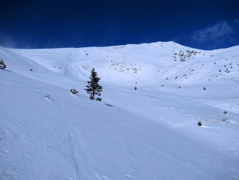 Foto: Andreas Koller / Skitour / Seitnerzinken Südroute (2164m) / Der lange SW-Grat zum Seitnerzinken / 21.02.2021 00:56:14