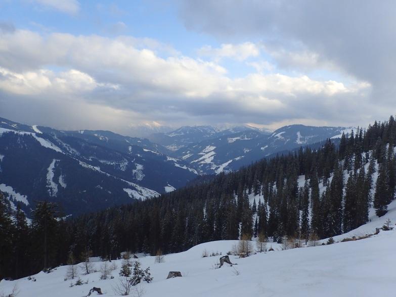 Foto: Manfred Karl / Skitour / Gabühel von Hintermoos / Wolken über den Tauernbergen / 22.03.2021 06:44:43