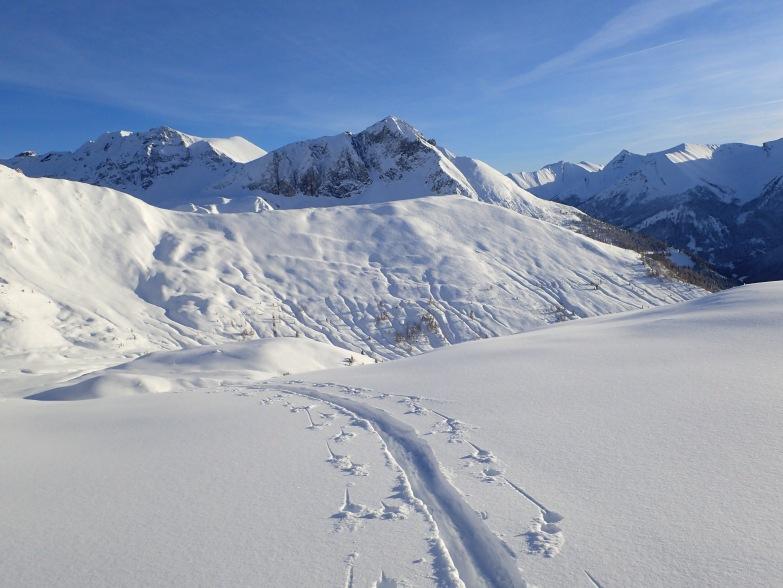 Foto: Manfred Karl / Skitour / Taferlnock Rundtour von der Muhreralm / Blick vom Karkopf zur Aignerhöhe / 30.04.2021 08:32:48