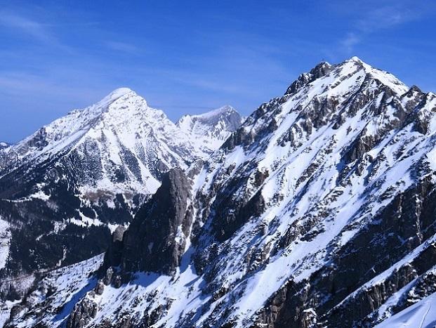 Foto: Andreas Koller / Skitour / Vom Pyhrnpass auf den Lahnerkogel (1854m) / Großer Pyhrgas (2241m), Scheiblingstein (2197m)  und Bosruck (1992m) / 01.05.2021 18:17:17
