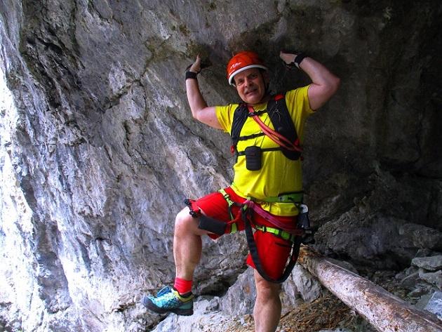 Foto: Andreas Koller / Klettersteigtour / Klettersteig Trafoi (1575m) / Höhle / 02.05.2021 23:33:30
