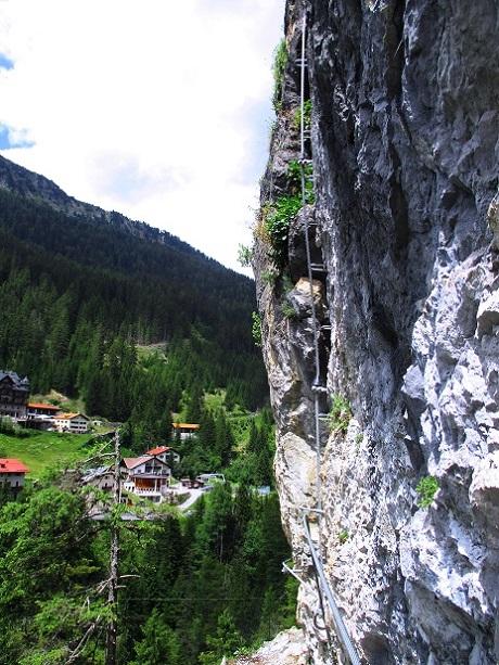 Foto: Andreas Koller / Klettersteigtour / Klettersteig Trafoi (1575m) / Die C-Stelle / 02.05.2021 23:33:12