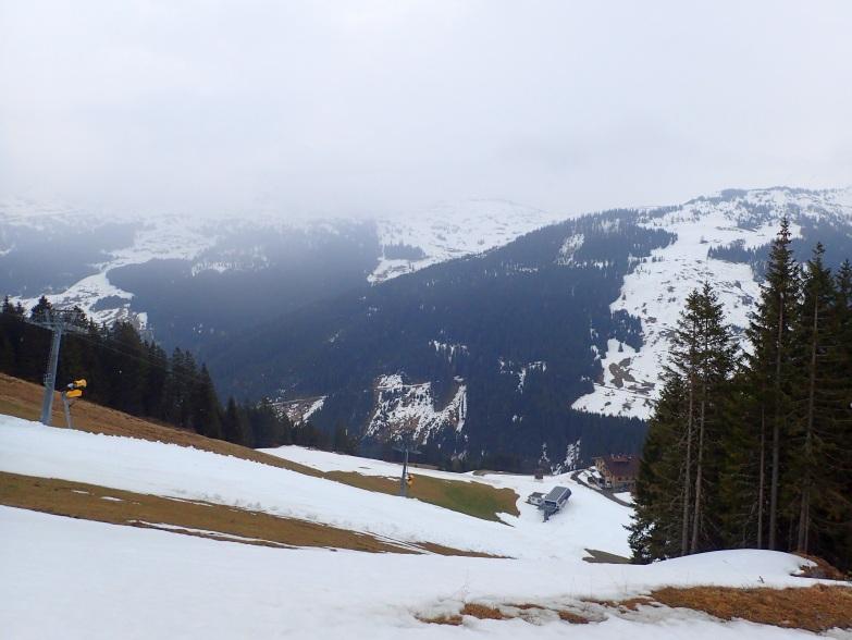 Foto: Manfred Karl / Skitour / Von Hinterglemm auf den Zwölferkogel / Abstecher zur Ellmaualm / 03.05.2021 06:54:39