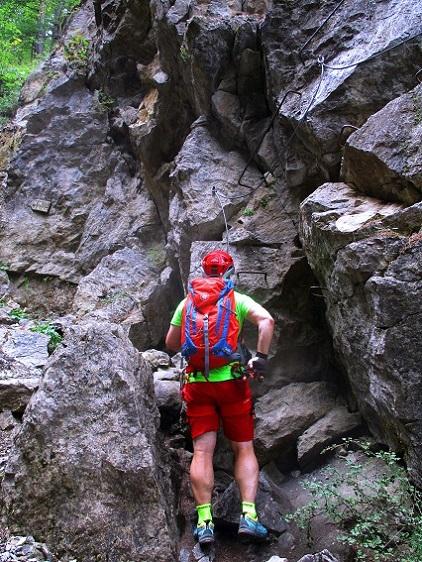 Foto: Andreas Koller / Klettersteigtour / Via ferrata du Torrent de la Combe (1575m) / Der spektakulärste Abschnitt / 19.05.2021 02:28:16