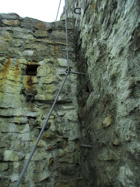 Foto: Andreas Koller / Klettersteigtour / Klettersteig Rabenstein (697m) / Letzter Part: auf die Burgmauer / 11.06.2021 01:31:26