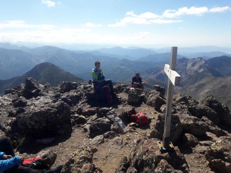 Foto: Rupert Gredler / Klettertour / Paglia Orba Rundtour / Auf dem Gipfel der Paglia Orba. / 09.10.2021 17:59:52