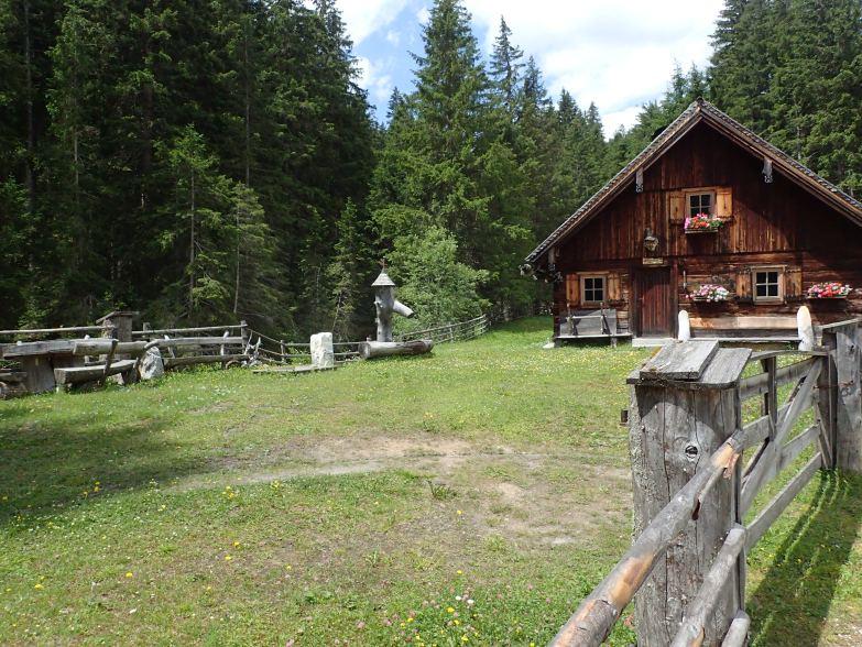 Foto: Manfred Karl / Wandertour / Tauernhöhe aus dem Weißpriachtal / Ulnhütte / 13.10.2021 07:19:11