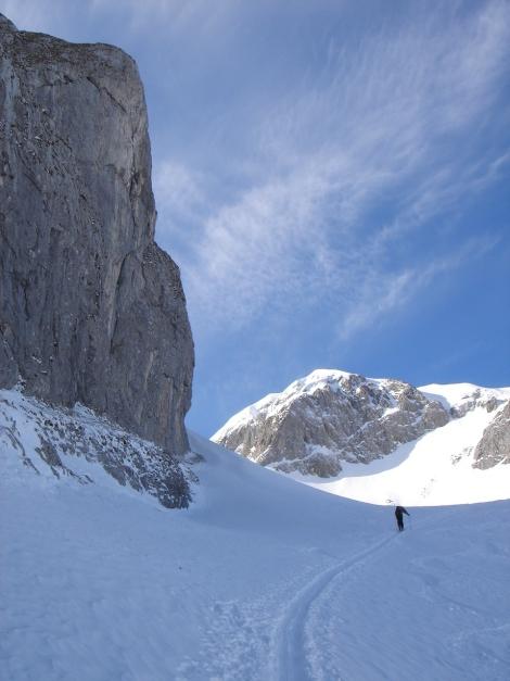 Foto: Manfred Karl / Ski Tour / Über die Gwechenberghütte auf den Sonntagskogel / Im Kar unterhalb der Scharte / 30.01.2009 23:06:28
