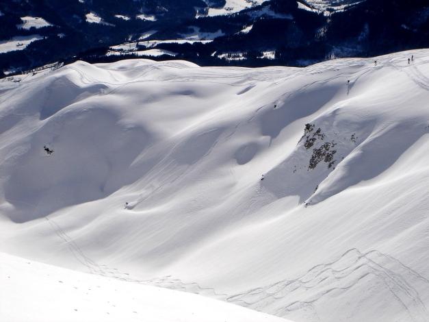 Foto: Manfred Karl / Ski Tour / Über die Gwechenberghütte auf den Sonntagskogel / Auch die Mulde südöstlich des Sonntagskogel bietet eine schöne Abfahrt / 30.01.2009 23:05:04