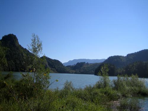 Foto: letsgoactive / Mountainbike Tour / Rund um den Schafberg - über den Falkenstein / Der Schwarzensee / 18.04.2007 16:03:13