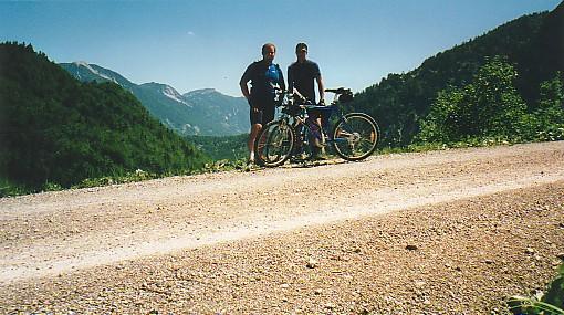 Foto: Jogal / Mountainbike Tour / Rund um den Wolfgangsee über Eisenaueralm u. Schwarzensee / Am Weg Richtung Schwarzensee / 08.05.2007 08:07:29