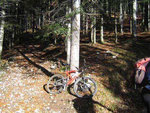 Foto: Hari M. / Mountainbiketour / Über die Glasenbachklamm auf die Fageralm / Auch Sattelstützen haben eine Lebensdauer ;-) / 28.12.2006 10:42:01